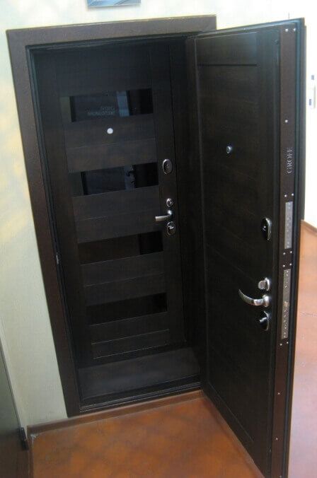 входные металлические двери 95