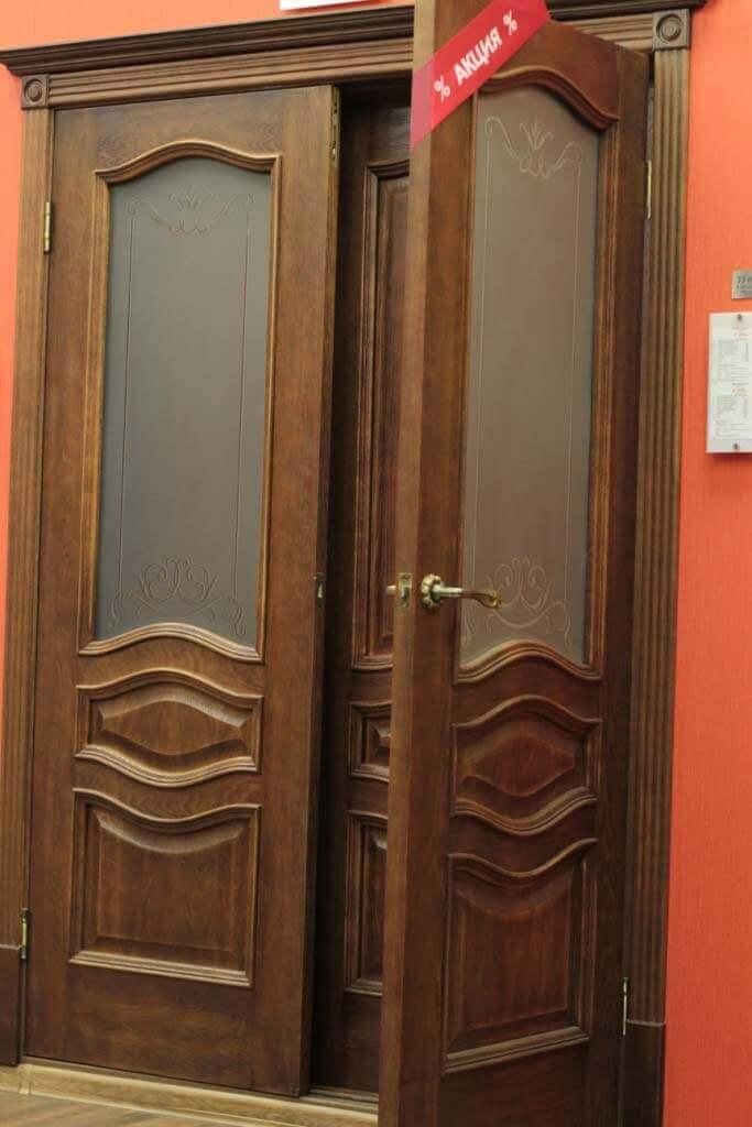 Как выбрать межкомнатные или входные дубовые двери